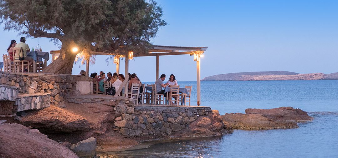 Luxury Holidays In Greece Simpson Travel - How much does it cost to go to greece